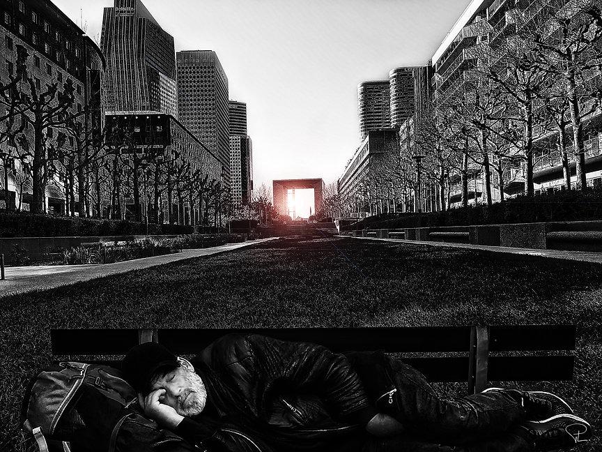 homeless,corona,covid,paris,streetphotography,bnw