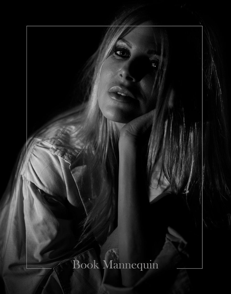 portrait,studio,blackandwhite,corsant-colat,frenchphotographer,dark,blond,hair,eyes