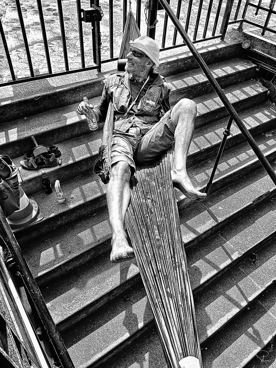 corona,covid,metro,paris,homeless,streetphotography,bnw