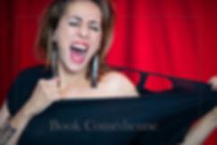 red,theatre,paris,womanshow,show,spectacle,portrait,colors