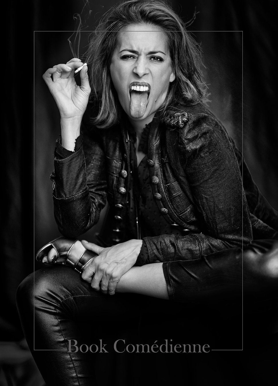 rock,rocknroll,bnw,photography,blackandwhite,expression,smoke,magazine