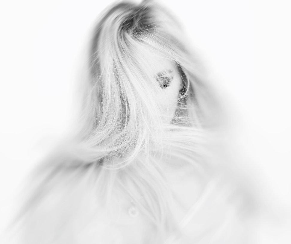 blondhair,sensual,white,bnw,blackandwhite,beauty,studio