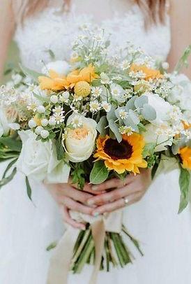 bright-wedding-bouquet-ideas-with-sunflowers.jpg