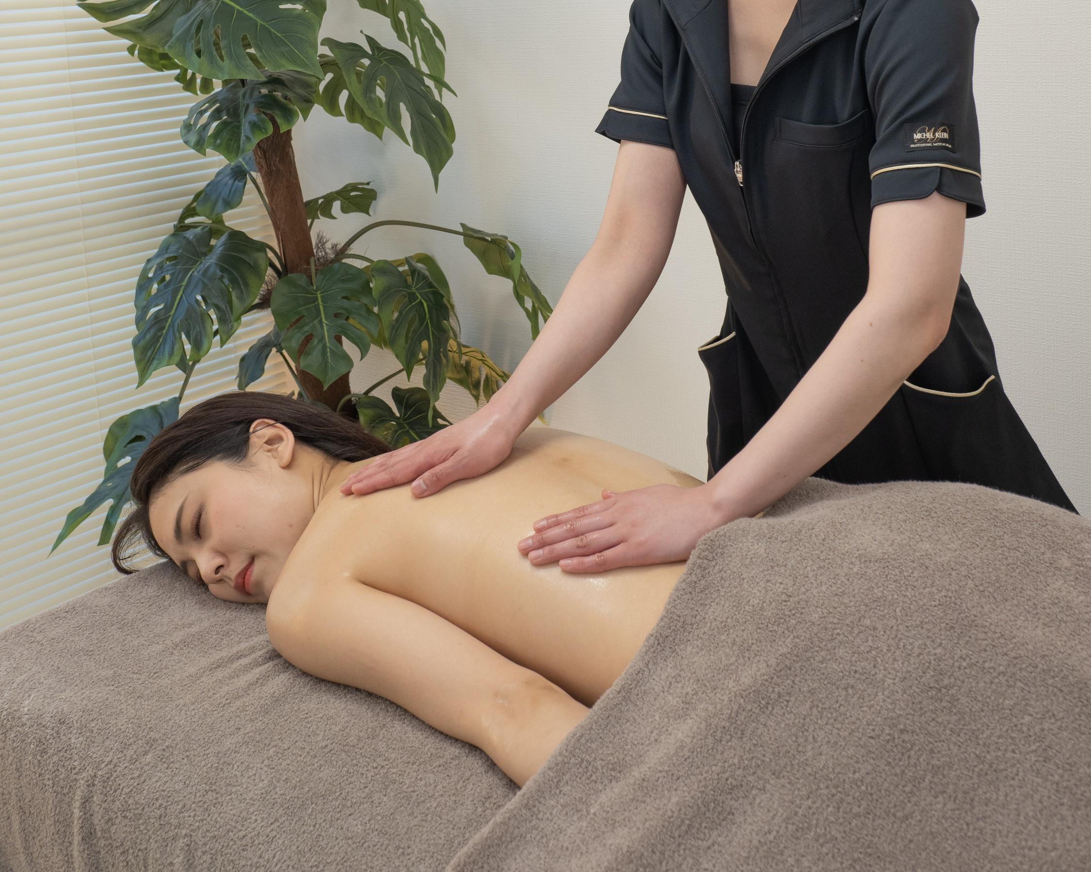 筋膜矯正オイルセラピー