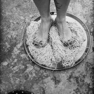 Les pieds dans le plat