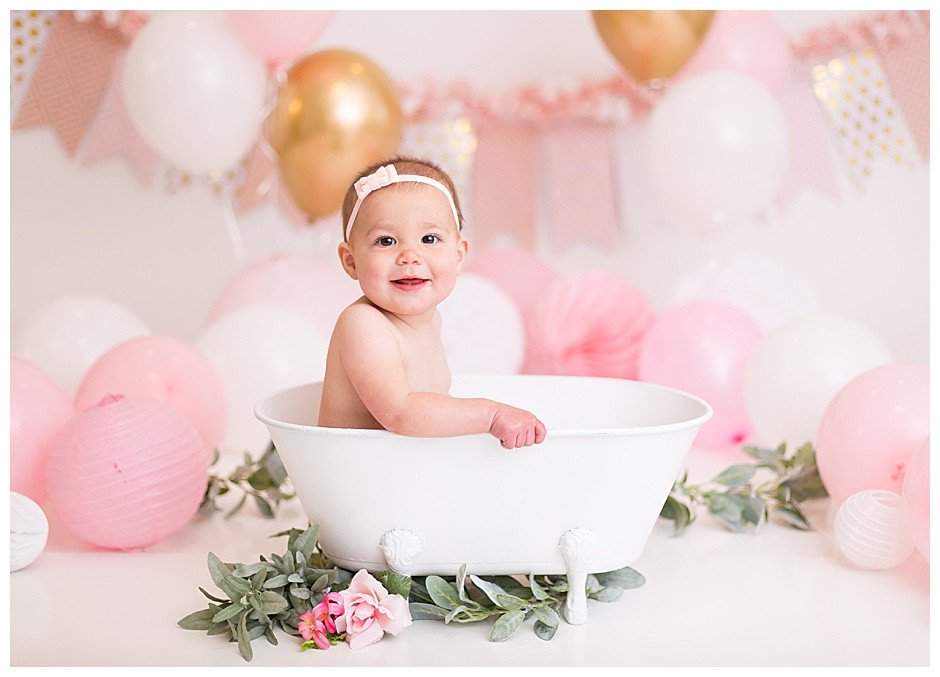 pink balloons, white tub, best family photographer chattanooga