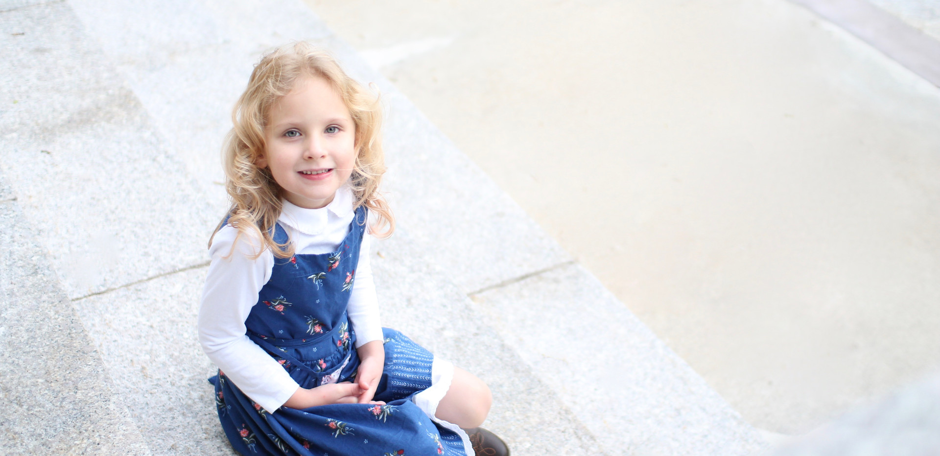 photographer Chattanooga, girl smiling in blue dress