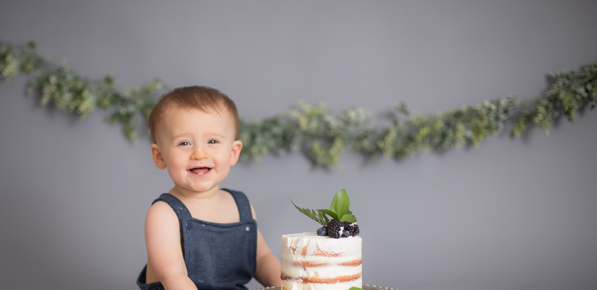 baby in blue romper, Chattanooga cake smash