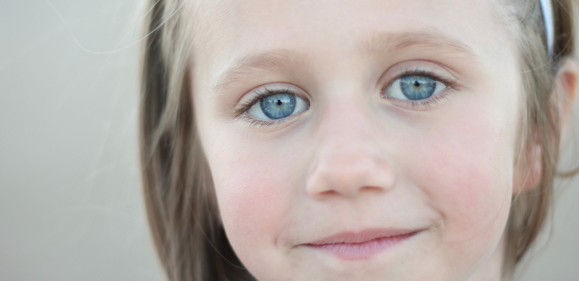 child with blue eyes, affordable photographer Chattanooga