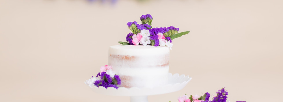 birthday cake with flowers, cake smash photos in Chattanooga TN