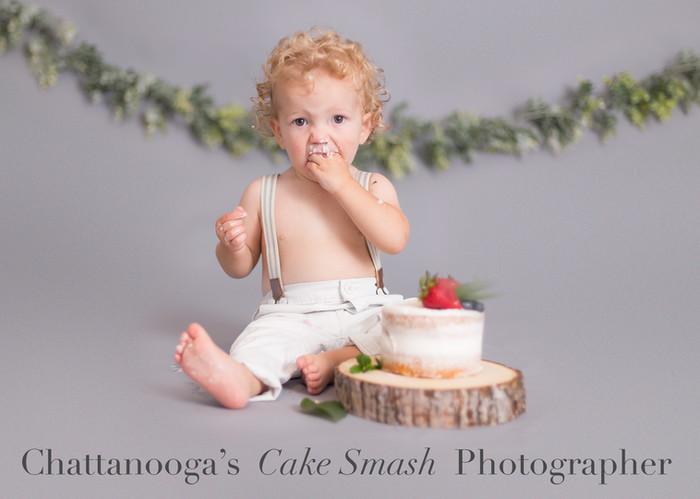 Chattanooga's Cake Smash Photographer.jp