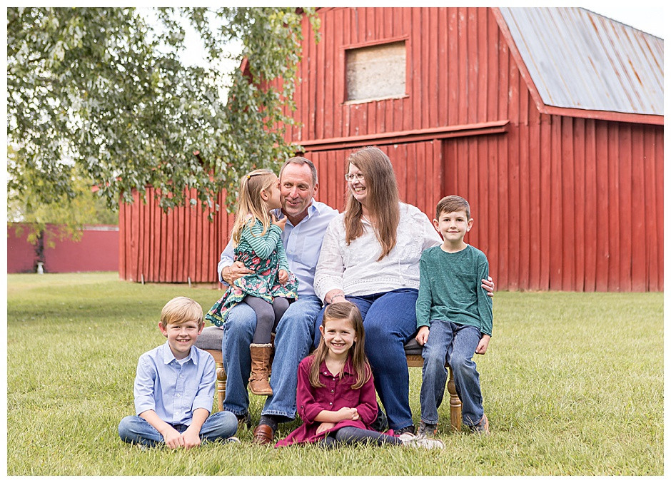 red barn, family photos Chattanooga, best photographers Chattanooga