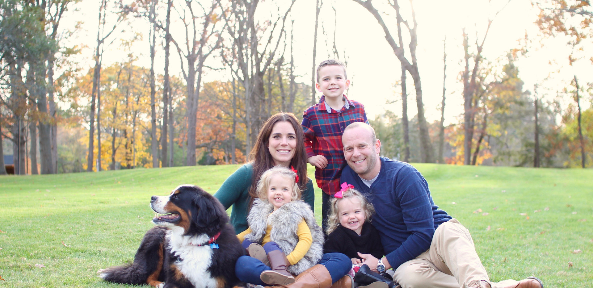 family with st bernard, photographer chattanooga