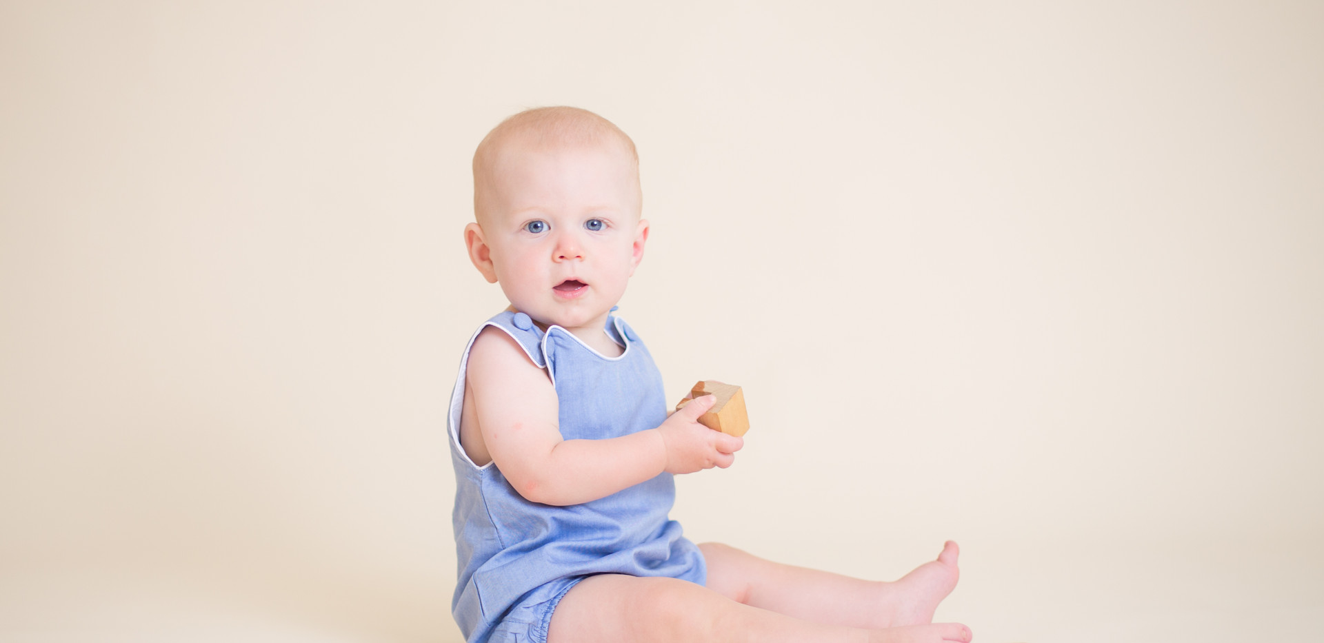 baby photo studio chattanooga, blue romper
