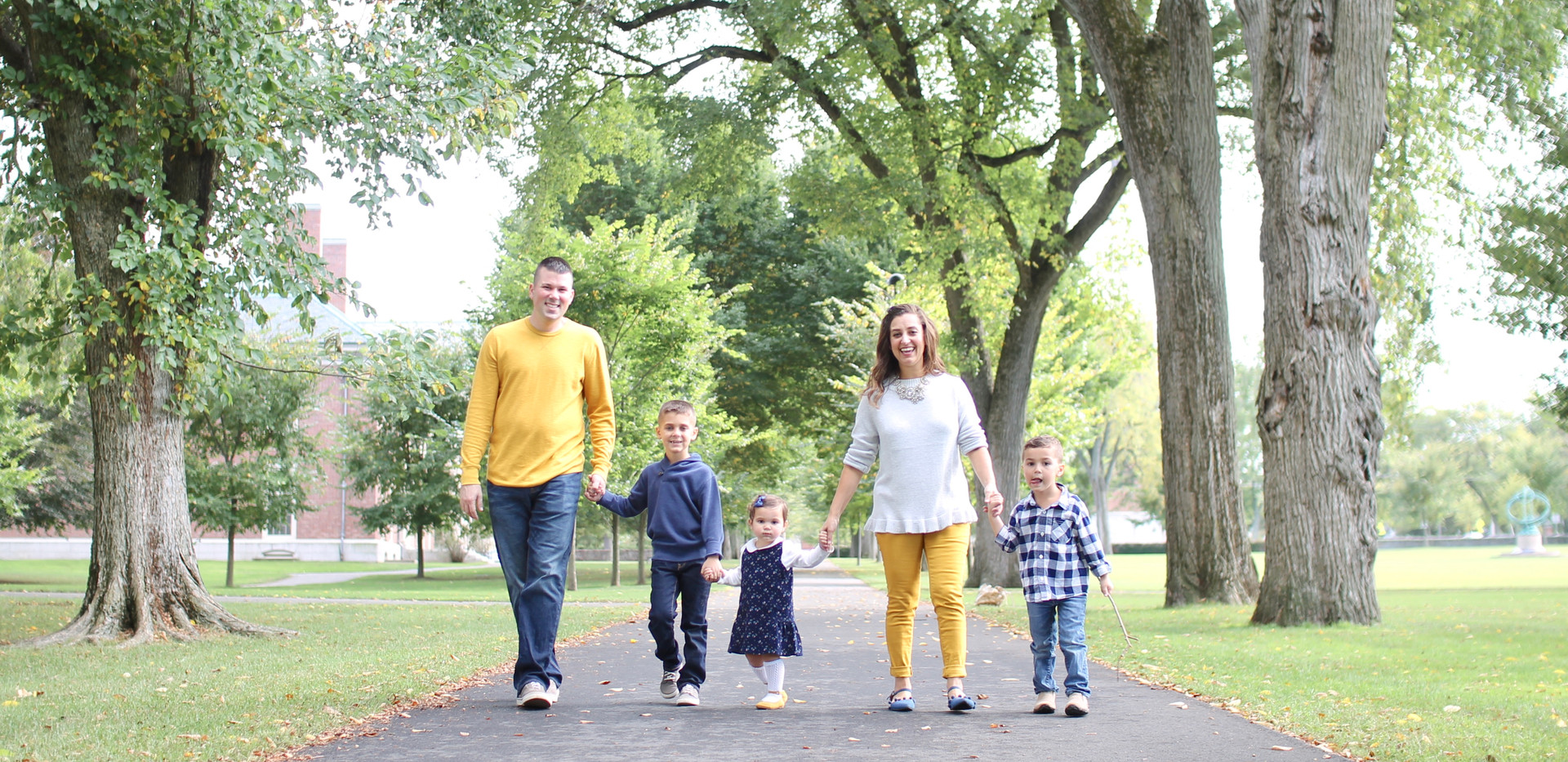 family outfits in yellow, Chattanooga family photos