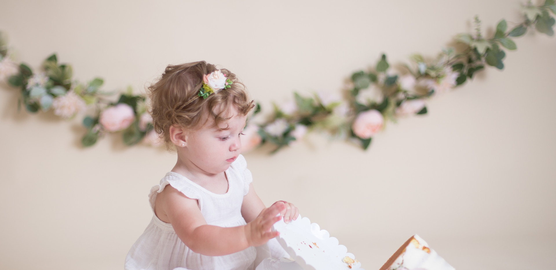 baby pushing cake over, Chattanooga cake smash photo session
