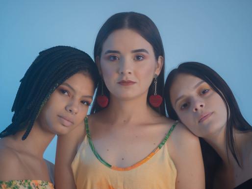 Verão estampado: conexão e conforto em 4 opções de looks