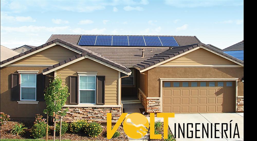 Casa con Paneles Solares