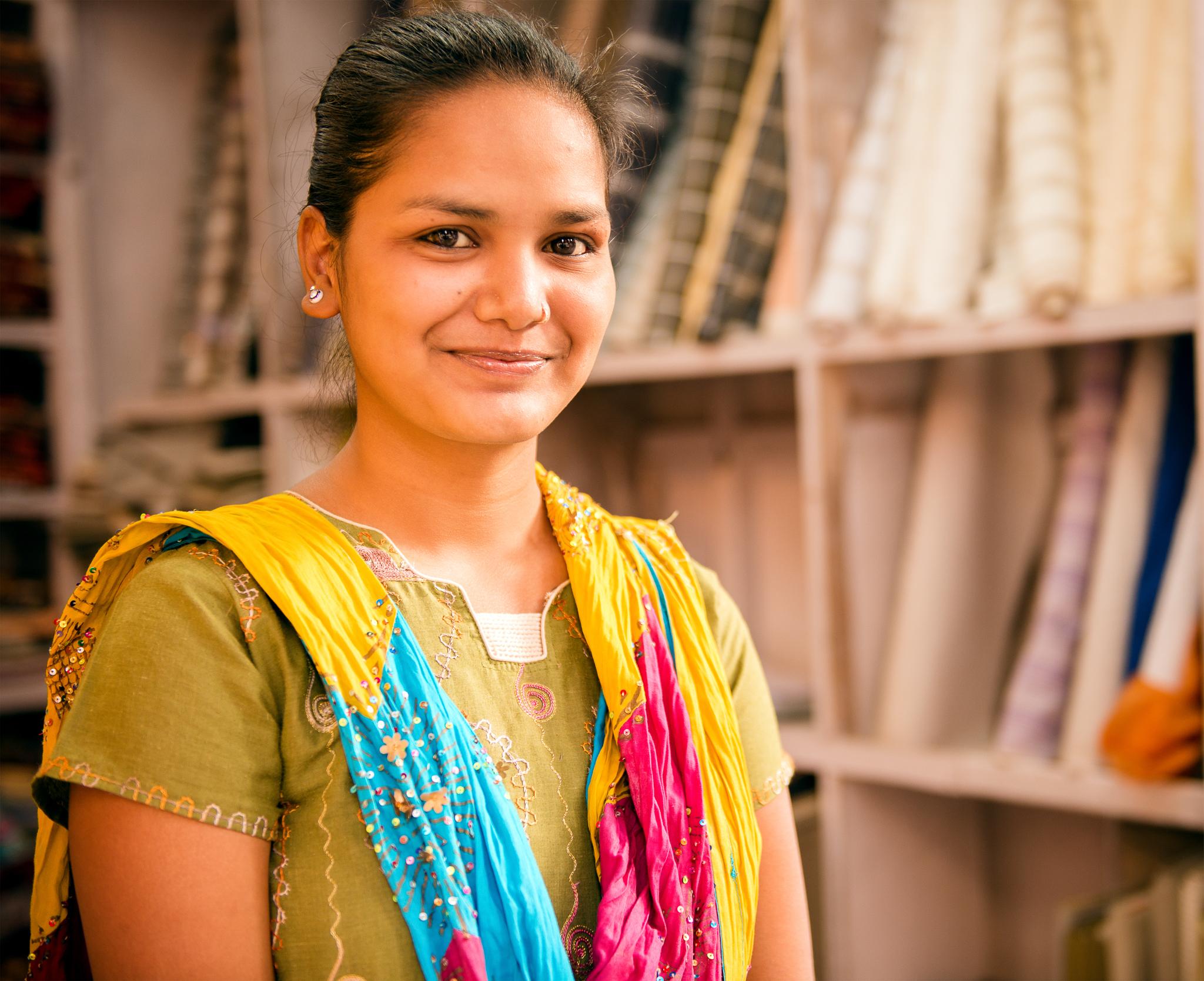 Vendedora de telas en Udaipur