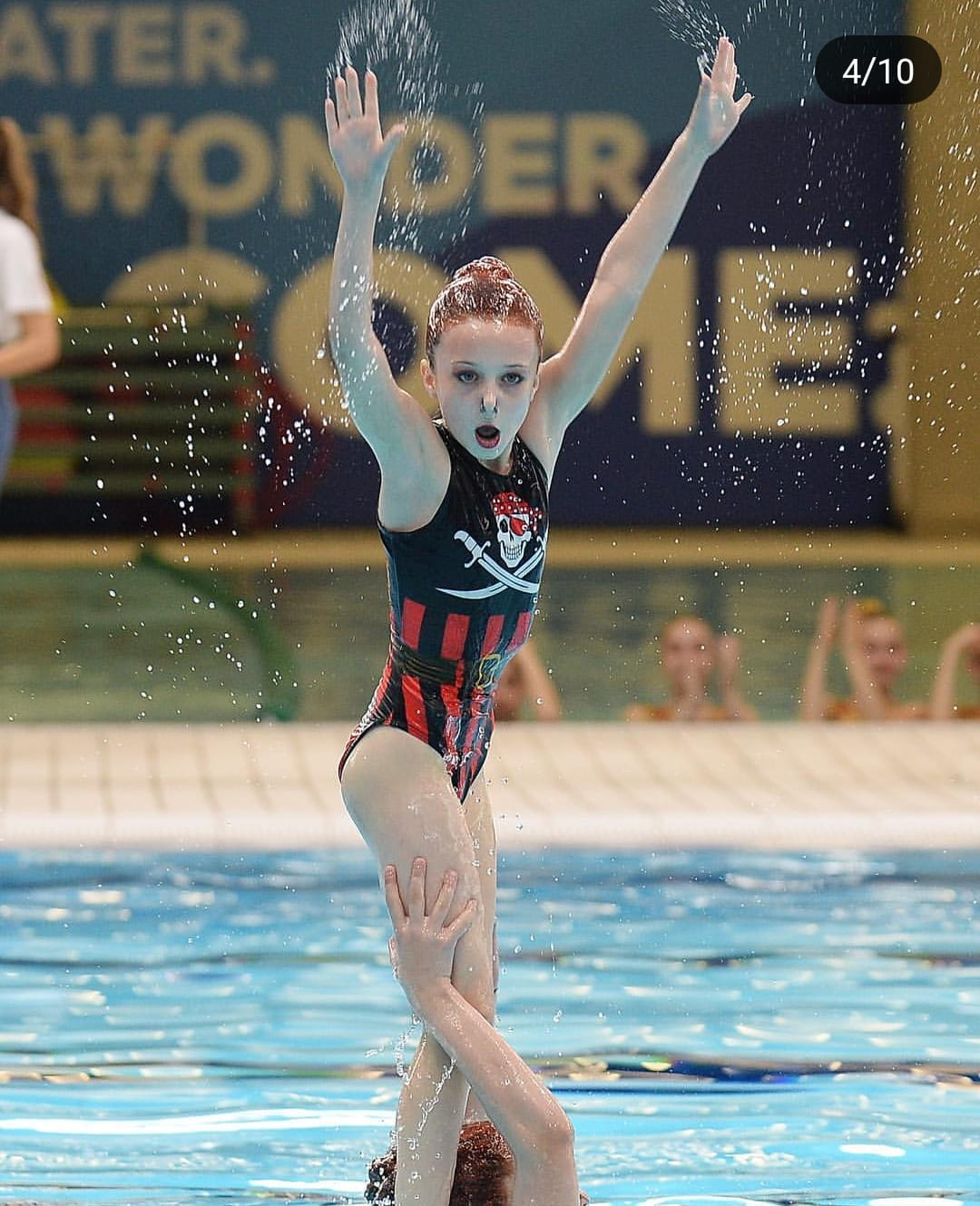 Pirate synchronised swimmer