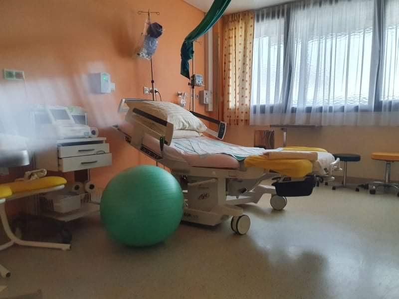 Pôrodnica, pôrodná izba, pôrodné lôžko, pôrodné kreslo