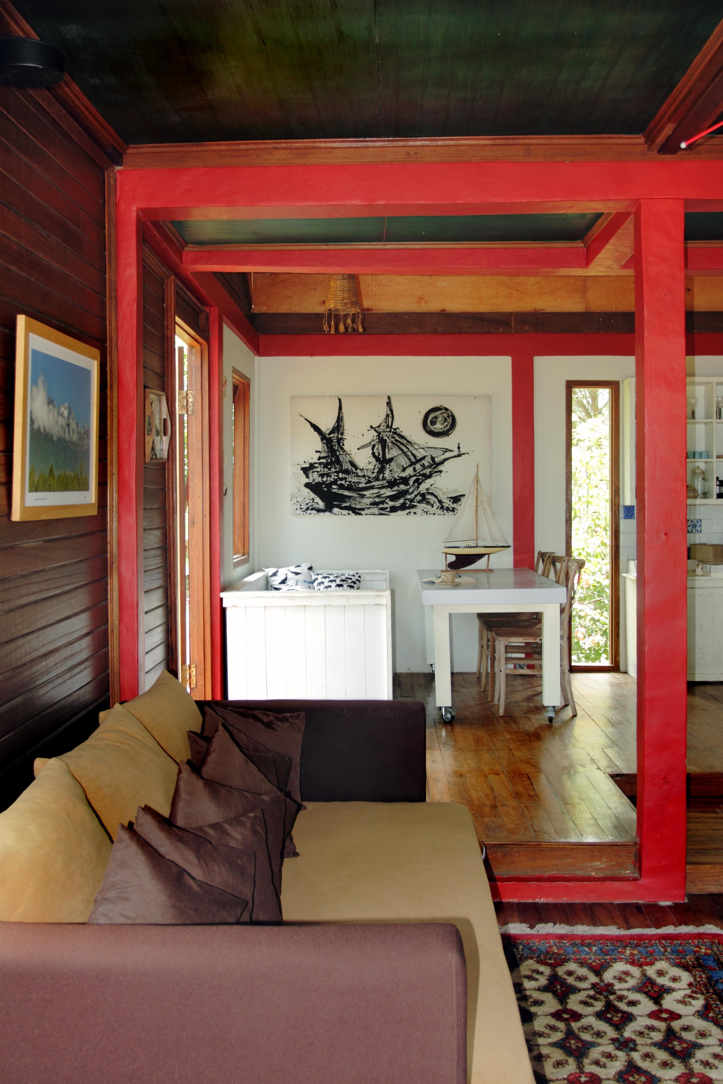 rumah merah sofa & dining room