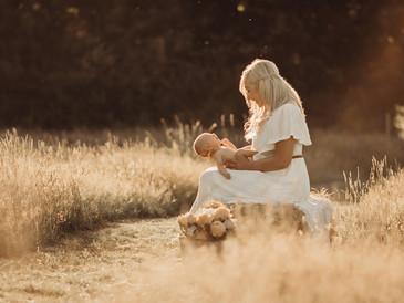 Outdoor New Baby Photoshoot