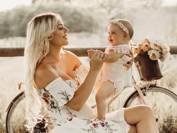 New Baby Outdoor Photoshoots