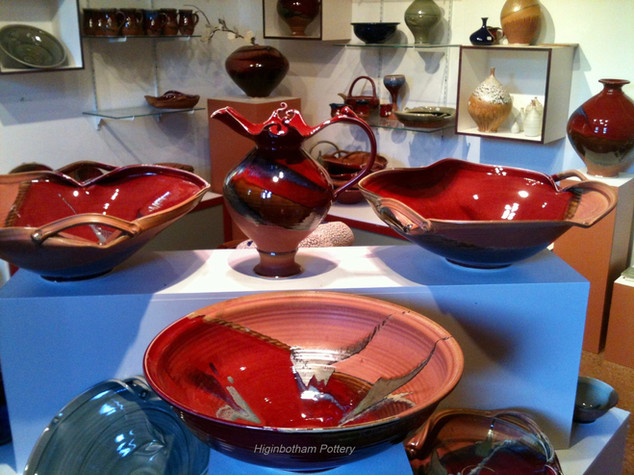 Showroom%20Wavy%20Handle%20Bowls_edited.