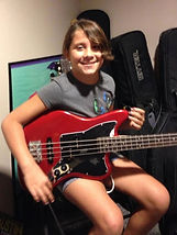 bass-guitar-lessons-beginners
