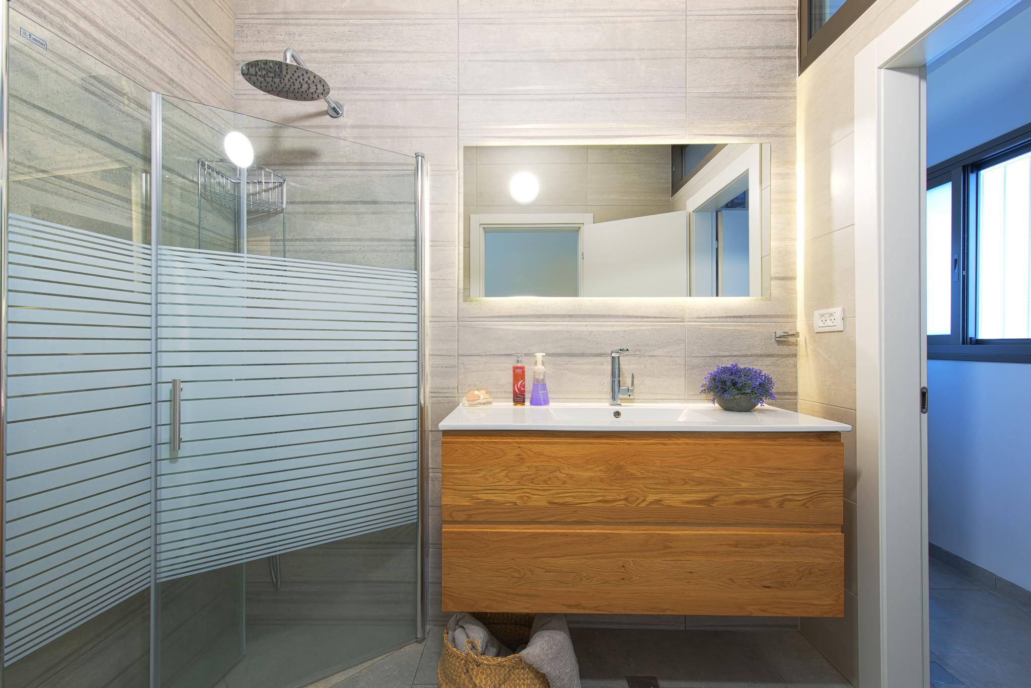אילנה וייזברג עיצוב מקלחות