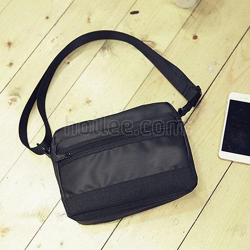 88006: Unisex Shoulder Bag