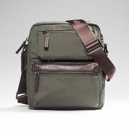 88028: Men Shoulder Bag