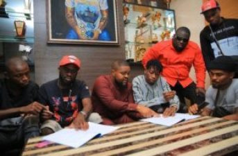 """Davido Signs New Artiste """"Lil Frosh"""" Into"""