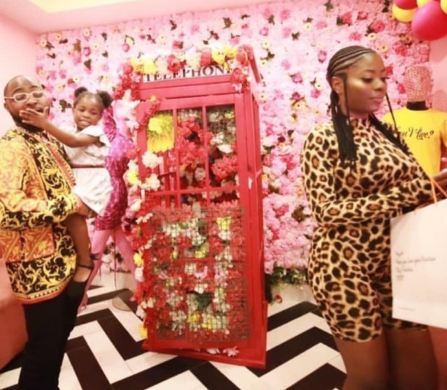 Davido shows up to support his first babymama, Sophia Momodu, at her sip and shop event (Watch video)