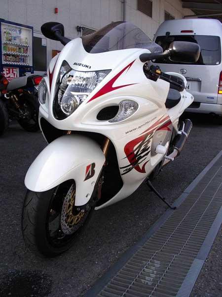 GSX1300R 隼 '08 ホワイト5.JPG