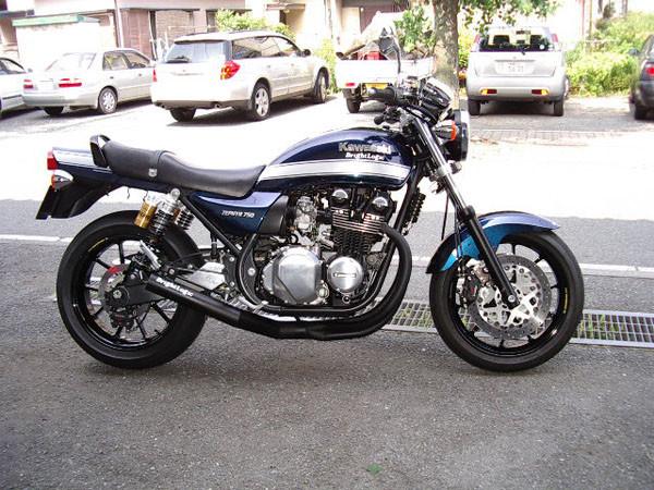 KAWASAKI ゼファー750 '05 1.JPG