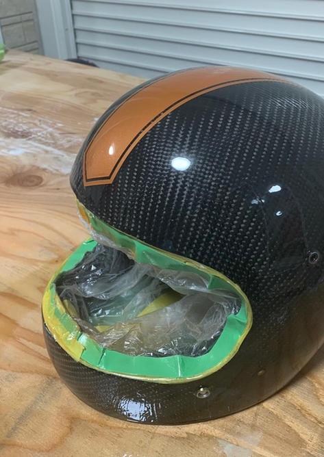 カーボン塗装ヘルメット
