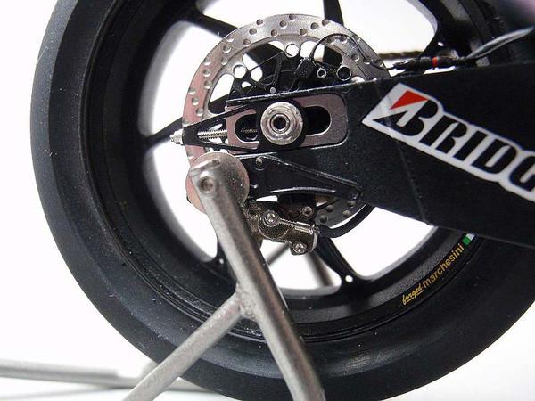 2005 YZR-M1 11.jpg