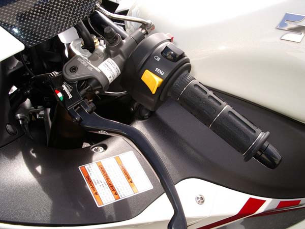 GSX1300R 隼 '08ホワイト5.jpg