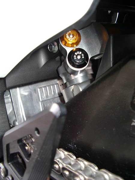 GSX1300R 隼 '09 ホワイト 13.JPG
