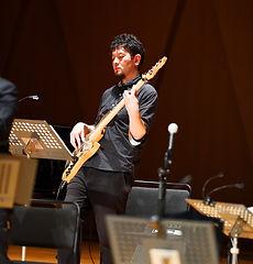 尾﨑 薫 ベース奏者