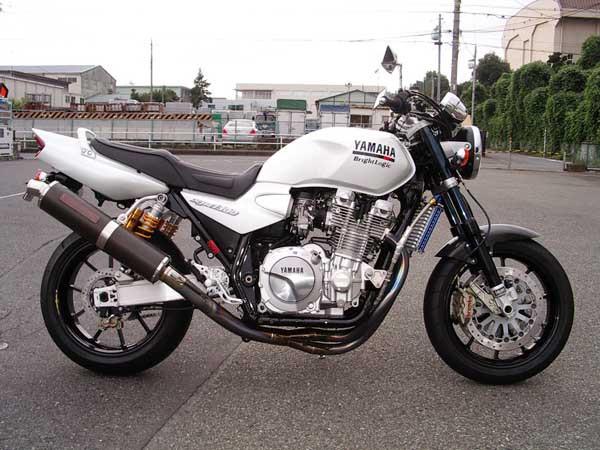YAMAHA XJR1300 1.JPG