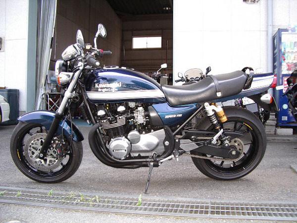 KAWASAKI ゼファー750 '05 2.JPG