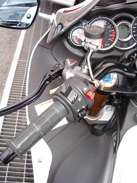 GSX1300R 隼 '09 ホワイト8.JPG