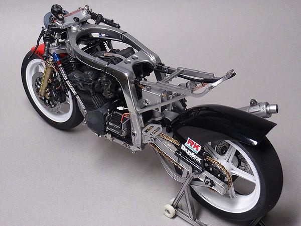 '86 ヨシムラGSX-R 鈴鹿8耐仕様  3.jpg