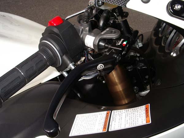 GSX1300R 隼 '08ホワイト6.jpg