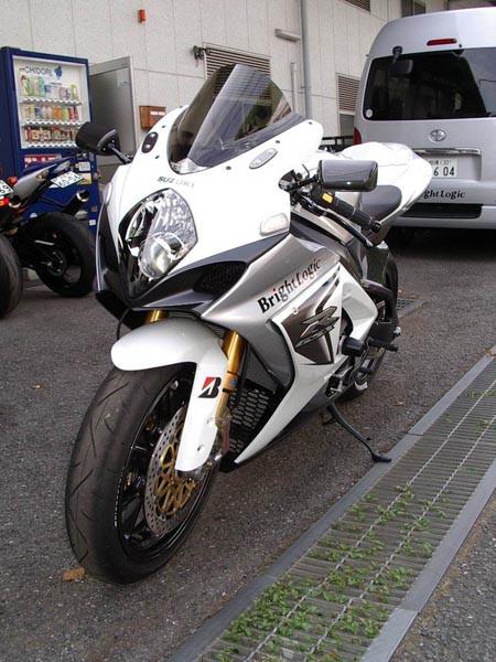 GSX-R1000 K8 5.JPG