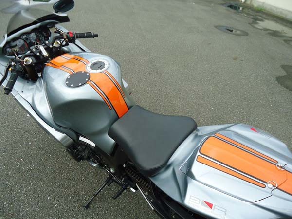 GSX1300R 隼 '05 グレー4.jpg