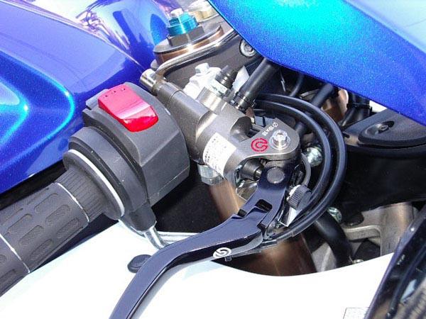 GSX-R1000 K7 9.JPG
